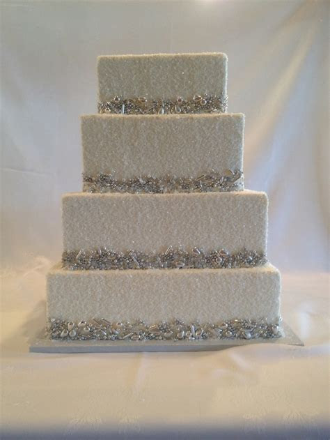 silver dragees and crystal sugar wedding cake   A few