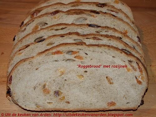 """""""Roggebrood"""" met rozijnen"""