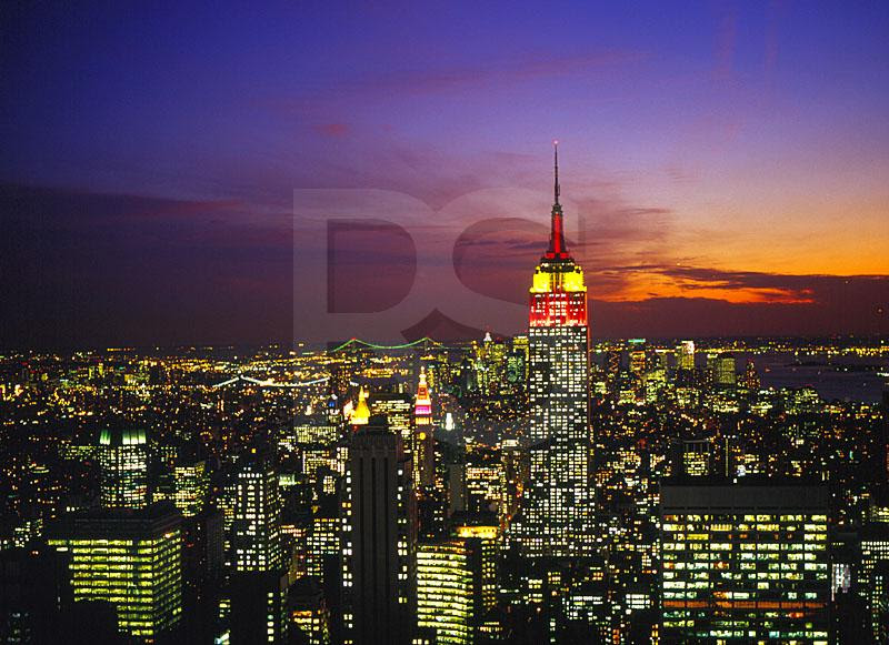 pictures of new york skyline at night. new york skyline night.
