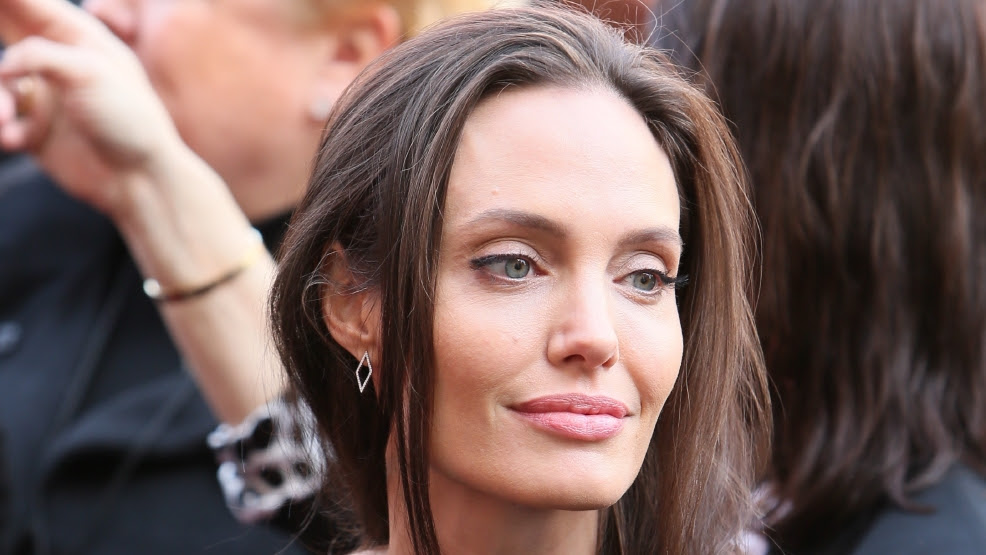 Angelina Jolie I Wish My Mother Had The Same Info I Did About