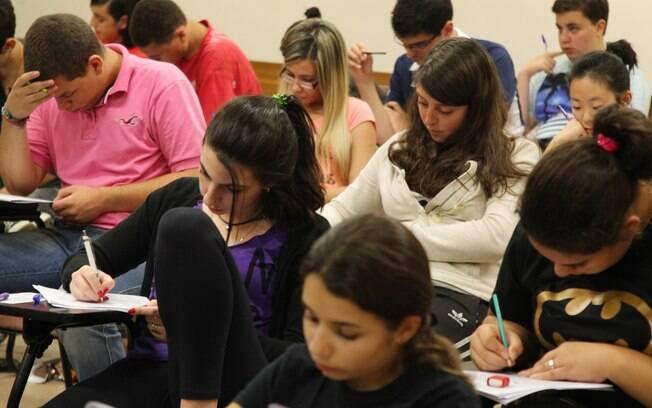 Alunos se preparam para prova do Enem, em São Paulo: base pouco sólida influencia formação