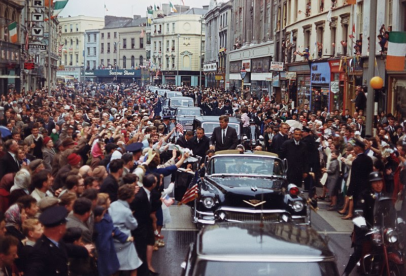 File:President's Trip to Europe- Motorcade in Dublin. President Kennedy, motorcade, spectators. Dublin, Ireland - NARA - 194227.jpg