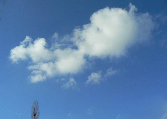 Σύννεφα που μοιάζουν με πράγματα (4)