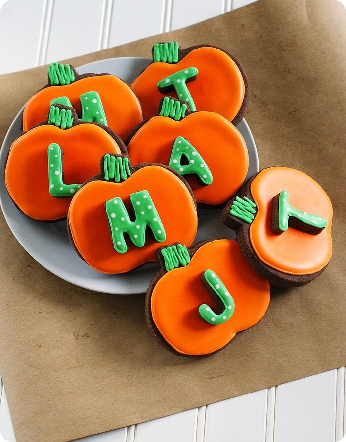 easy to re-create, monogrammed pumpkin cookies ::: full tutorial from bakeat350.blogspot.com