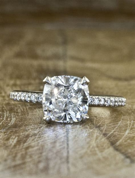 Cushion Cut Diamond: Cushion Cut Diamond Pave Band