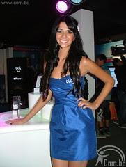 Anabel Angus como azafata en la FEICOBOL 2011