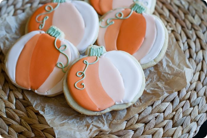 ombre pumpkin cookies from @bakeat350