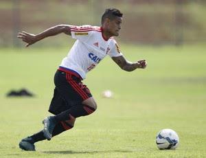 Everton é o substituto de Jorge na equipe principal (Foto: Gilvan de Souza/Fla Imagem)