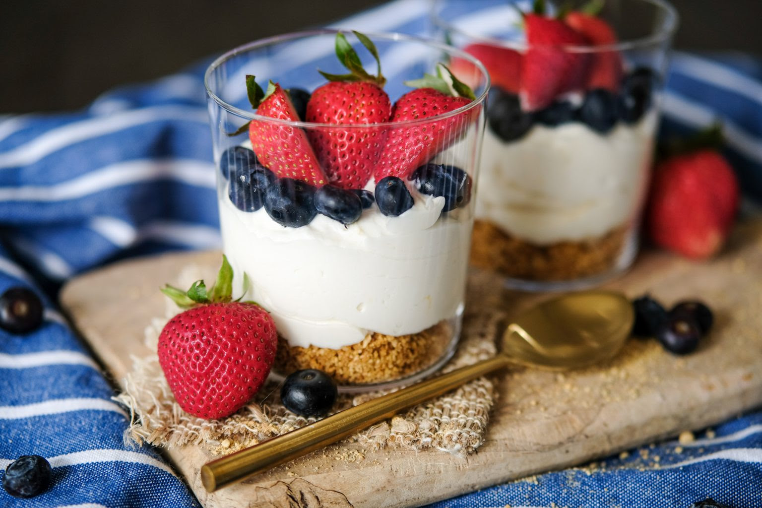 No Bake Mini Cheesecakes Everyday Gourmet With Blakely Desserts