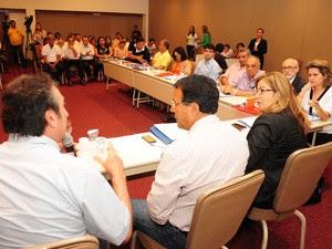 Secretário Ricardo Murad esteve reunido com gestores e técnicos da área de saúde dos dois estados (Foto: Divulgação/Nestor Bezerra)