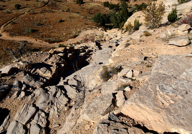 The difficult drop from Mary's Loop down onto Horsethief Bench
