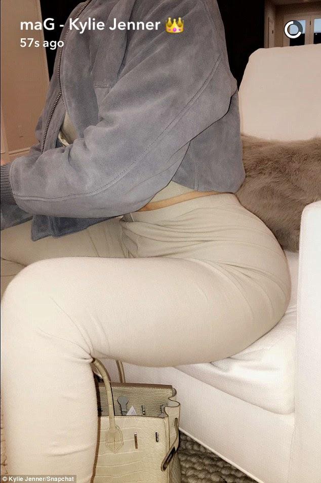 Elegante: Ela se juntou com correspondência de pedra colorida calças de cintura alta skinny-fit
