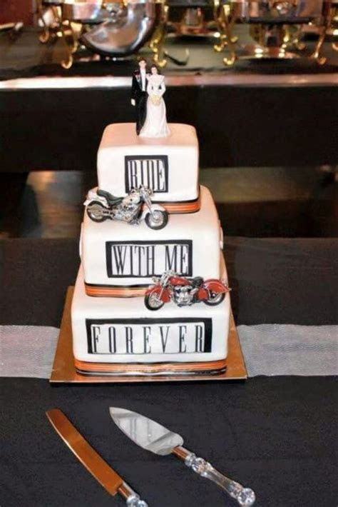 20 Cool Motorcycle Themed Wedding Ideas   Weddingomania