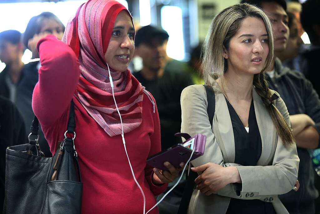 File photo of executive director Zahra Billoo of the Council on American-Islamic Relations (left) and attorney Nasrina Bargzie (right). Billoo said the airline owed Makhzoomi and the public a clear explanation of the incident and a promise to review its procedures for handling similar incidents Photo: Liz Hafalia, The Chronicle