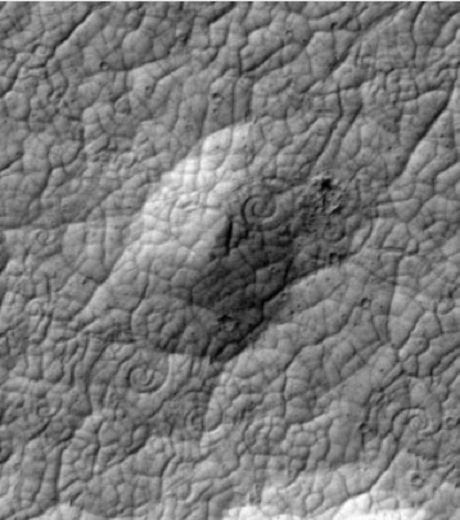 la-complexit-des-motifs-de-la-cro-te-valide-la-th-orie-de-la-activit-volcanique-cr-dit-photo-nasa-jpl-university-of-arizona-47000-w460.jpg