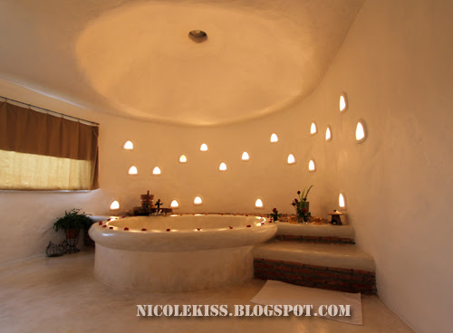 toilet jacuzzi dim light