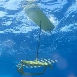 Robôs movidos por ondas batem recorde mundial de distância