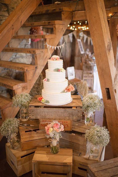 30 Inspirational Rustic Barn Wedding Ideas   Wedding Cakes