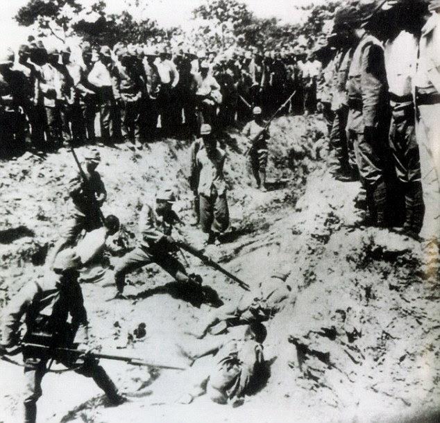 Massacre: japoneses prisioneiros soldados de baioneta chineses em Nanking