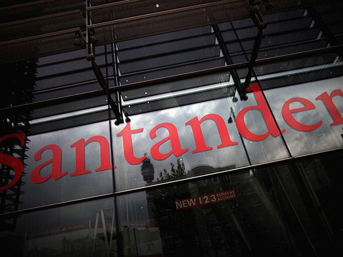 Santander detalló que mantiene su expectativa en cuanto a que en esta segunda mitad del año se observará una mejora moderada en las cifras de actividad económica mexicana. Foto: Getty