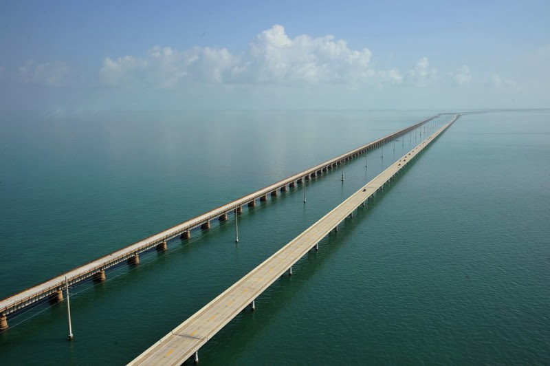 13. Road bridge length of nearly 11 kilometers, Florida.  unusual, amazing photos,