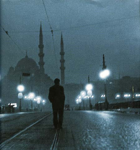 Orhan Pamuk: Estambul (Istanbul), cover photo of the Spanish edition