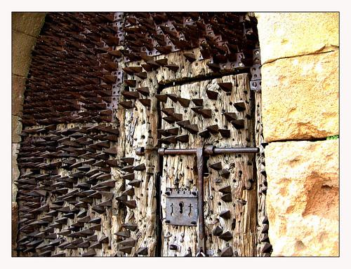 Puerta del castillo de Pedraza