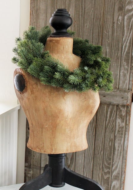 Mannequin & Wreath, Itsy Bits and Piece Christmas