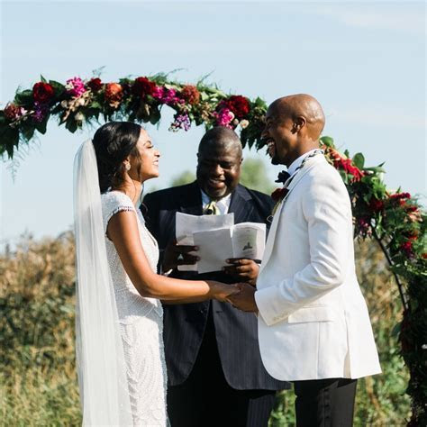 How Long is a Wedding Ceremony Supposed to Be?   Brides