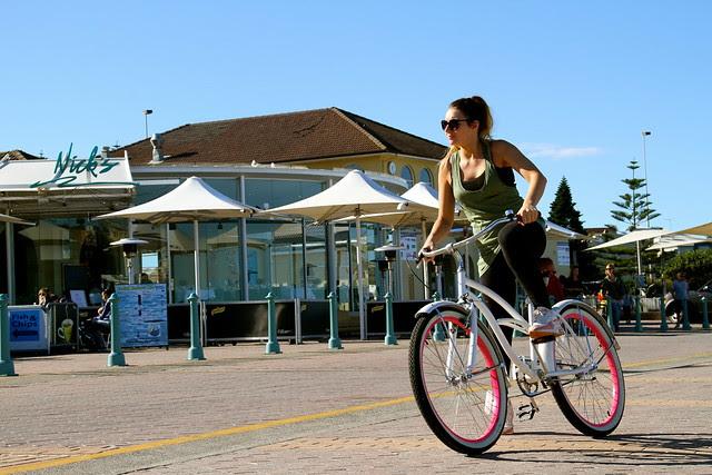 bondi girls on bikes 6642