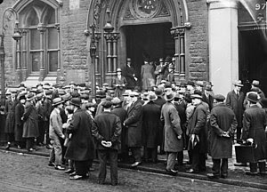 Unemployed people in front of a workhouse in L...