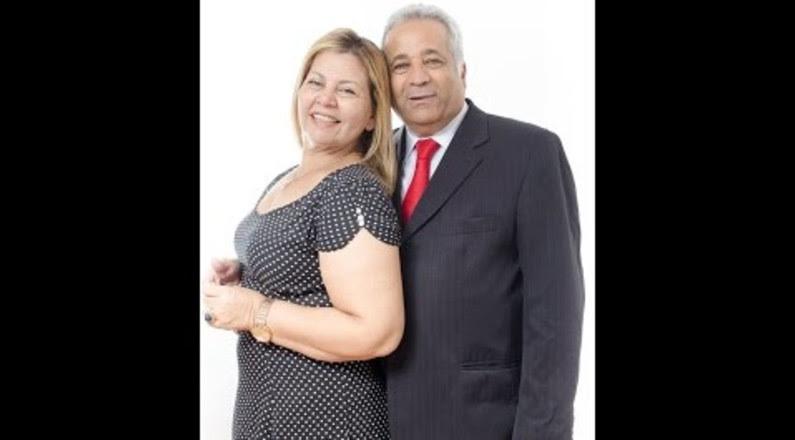 Pastor Zaqueu e Pr(a) Marlene apresentando o Ministério AmoVc