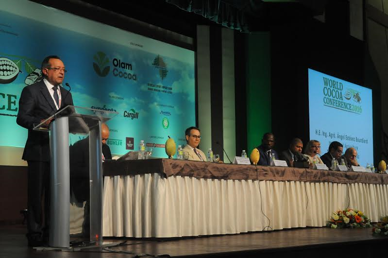 BAVARO: Inicia con éxito la  Tercera Conferencia Mundial de Cacao