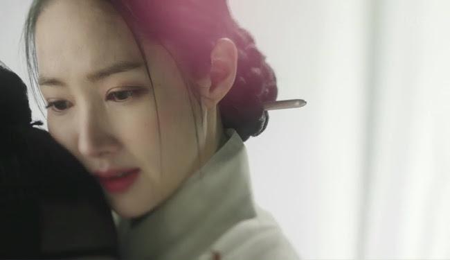 Vương hậu Park Min Young đẹp thoát tục trong phim mới - Ảnh 3.