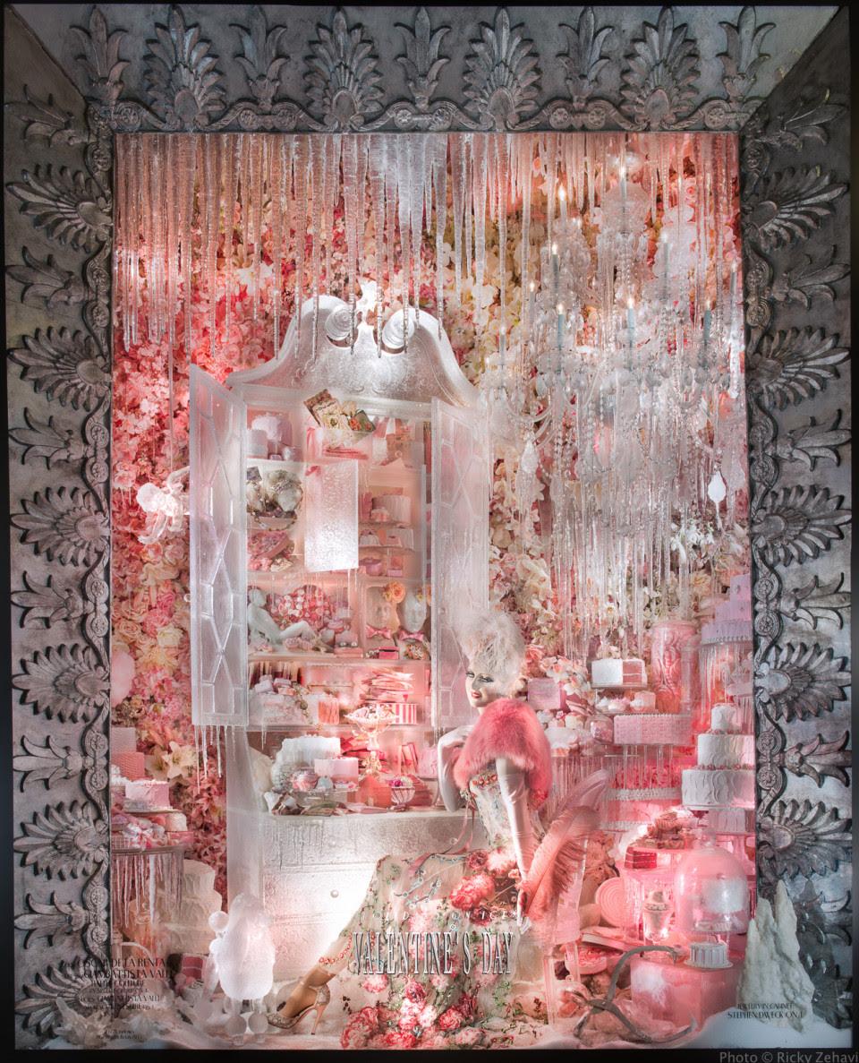 best-window-displays_bergdorf-goodman_2013_christmas_holidays-on-ice_19