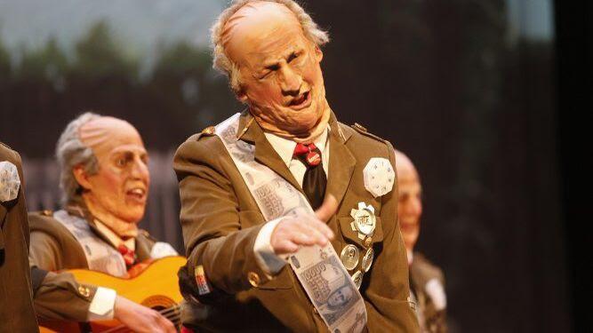 Los Juan Carlos I de 'Esta chirigota, cae bien', de los tipos más simpáticos de esta edición.
