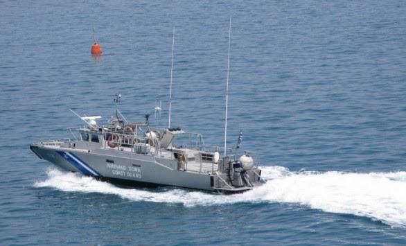 Λιμενικοί έσωσαν 51 μετανάστες από ιστιοφόρο ανοιχτά της Πελοποννήσου