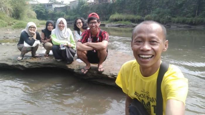 Tengah sungai asyik juga untuk foto