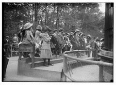 Children at N.Y. Zoo (LOC)