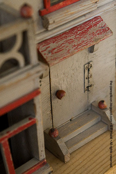 dhouse-door
