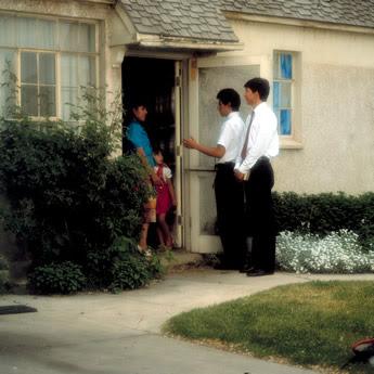 jovens mormons em visita