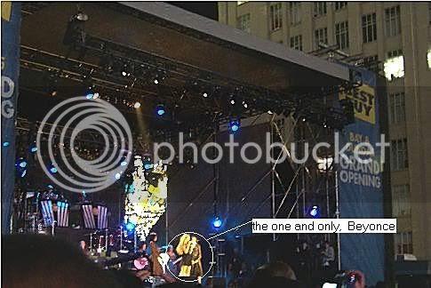 Beyonce @ Yonge-Dundas Square