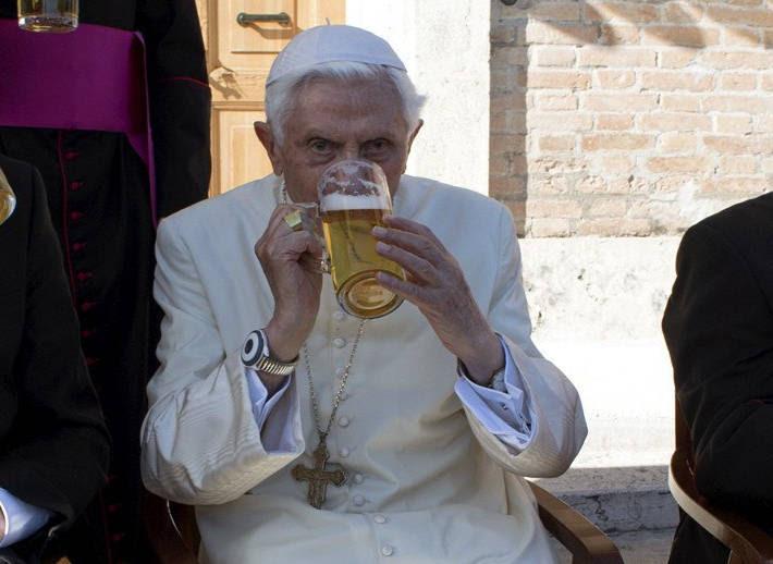 Resultado de imagen de 90CUMPLEAÑOS DE BENEDICTO XVI