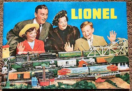 Lionel_train_family_WEB
