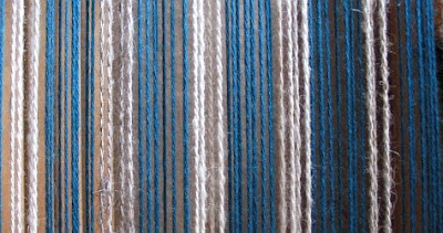 A close up of the 2 types of yarn I'm using.