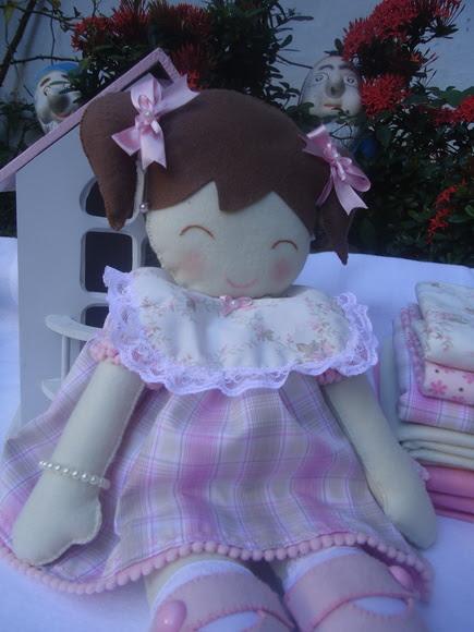Boneca Rosa Maria
