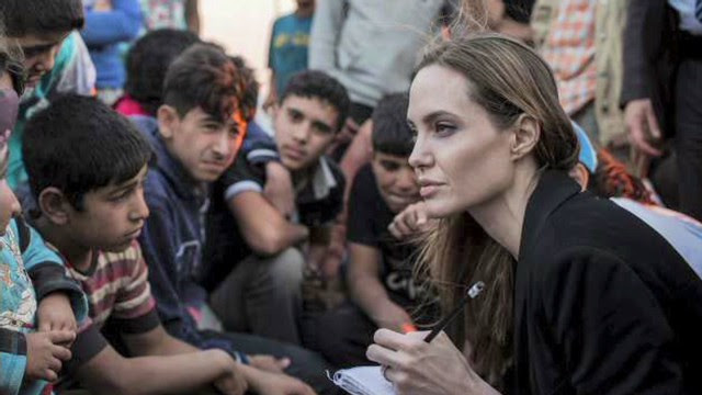 http://i2.cdn.turner.com/cnnnext/dam/assets/130621040939-amanpour-syria-refugees-angelina-jolie-00002624-story-top.jpg