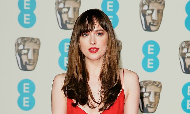Dakota Jonhson diz que homens a confundem com personagem de filme (Foto: John Phillips/Getty Images)