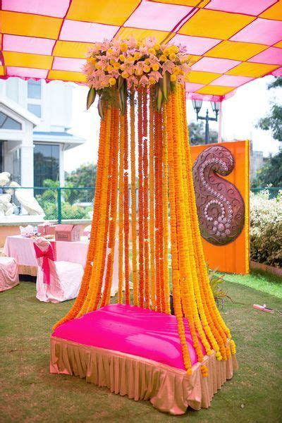 Simple and lively decoration ideas for haldi mehendi