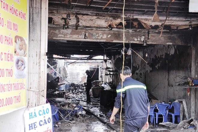 Hình ảnh Nổ lớn sập nhà ở Sài Gòn, hai mẹ con ôm nhau tử vong số 3